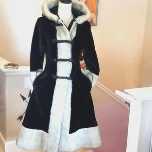 Vtg 60's FOLKSY PRINCESS Woods Velvet Hood Coat S